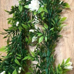 6 ft full greenery garland w/ white rosebuds